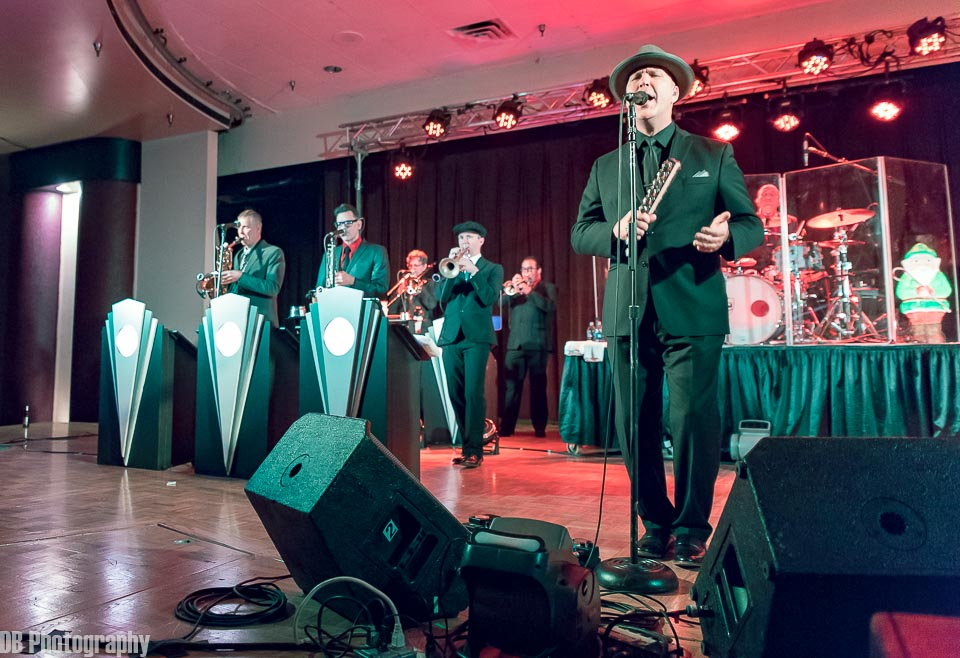 Big Bad Voodoo Daddy S Wild And Swinging Holiday Party