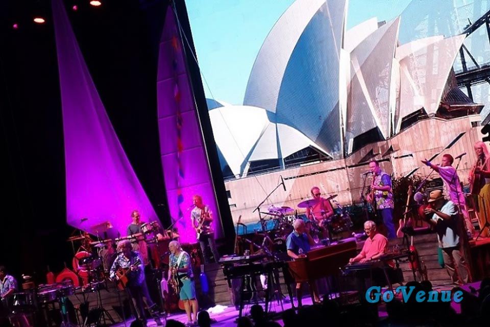 LIVE REVIEW: Jimmy Buffett and The Coral Reefers Live at Clarkston